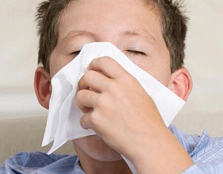 孩子冬季感冒会有五个并发症 十个措施来预防