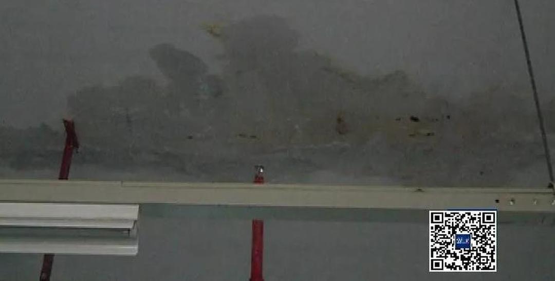 南山新楼盘60余户发现渗水!管理处无回应