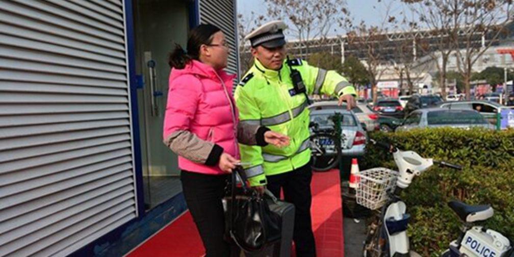 英雄不只智勇斗敌 刘志演绎最接地气的警察