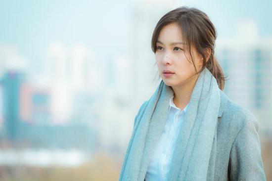 张东健妻子高小英复出 新剧《完美的妻子》完美融入角色
