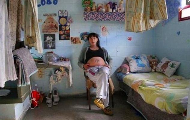 实拍监狱中的孕妇 看完让人心痛