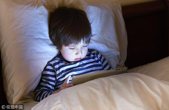 4岁网瘾宝宝离开iPad就哭闹 专家这样说