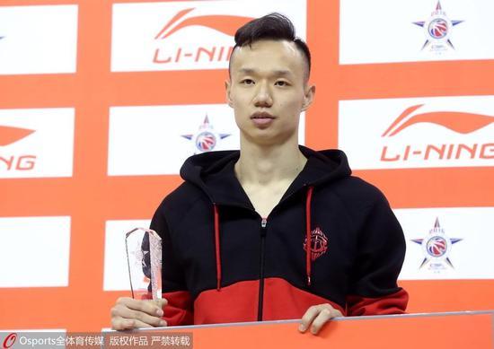 上海男篮宣布孟令源回归 扣篮王王潼将战新赛季
