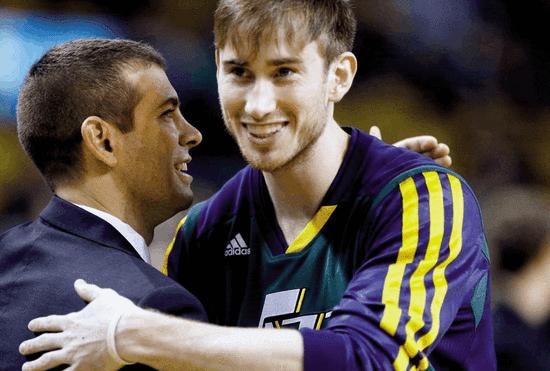 靈魂導師聯手花樣美男 這就是NBA版安西&三井