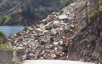 滑坡|广东云浮发生山体滑坡 一民居被埋已致5人死亡