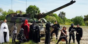 星战粉丝参观法军坦克团