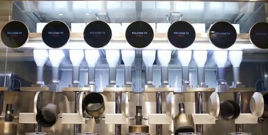 波士顿一餐馆实现机器人炒菜 人类厨师或遭取代?