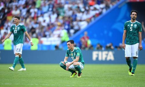 德国队难逃世界杯魔咒:卫冕冠军落地成盒
