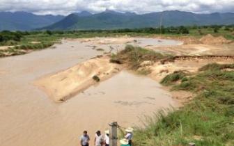 非法|村民非法采挖河沙 涉案26万余元被批捕