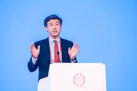 号外|李稻葵:贸易摩擦是美国更年期撞上中国青春期