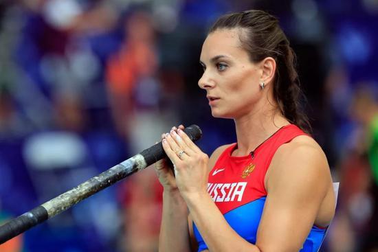 普京邀请球队讨论比赛表现 撑杆女皇:以为主场帮忙