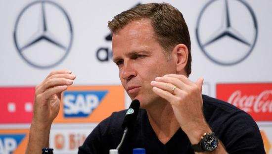 德媒:超八成球迷不再信任德国领队比埃尔霍夫