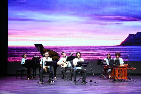以音乐为窗从感性去看到深入理解中国