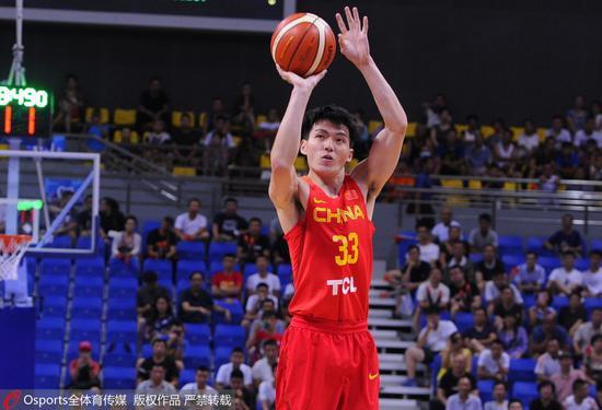 京媒:吴前已成男篮蓝队核心 他是双国家队受益者