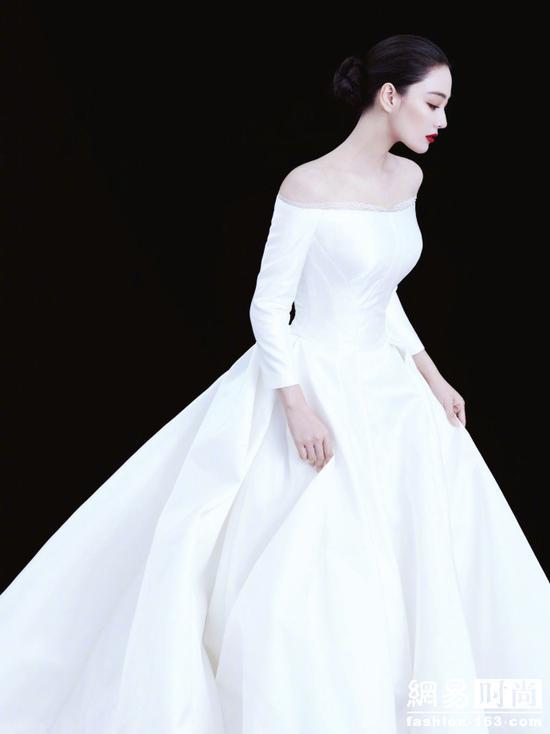 今日新娘张馨予 婚纱没选最贵的只选最简单