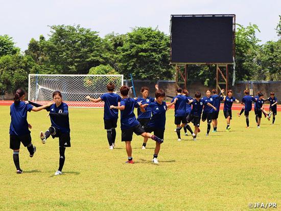 亚运会-后防乌龙送礼 日本女足2-1韩国晋级决赛