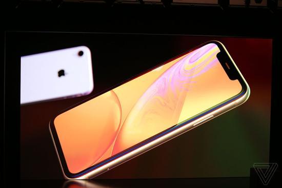 iPhone XR国行起价6499元,10月26日上市发售