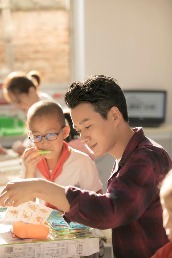 BAZAAR明星慈善夜助力儿童教育,为孩子插上梦想的翅膀