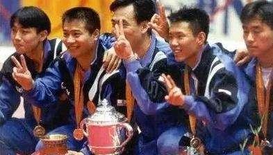 蔡振华教训了男乒主力马文革,但世乒赛还是带上了他,夺回了男团冠军。