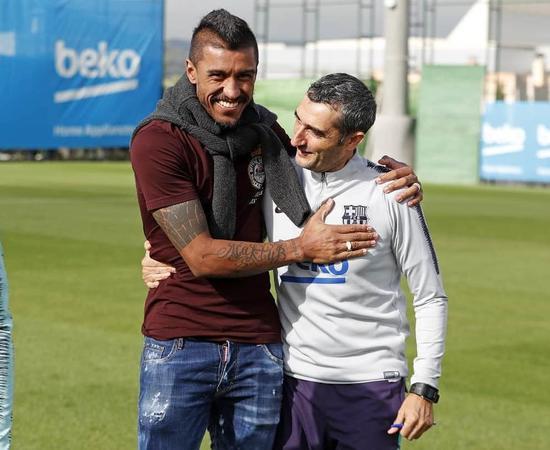 保利尼奥重返巴萨:小弟梅西相伴大笑 主帅想死他了!