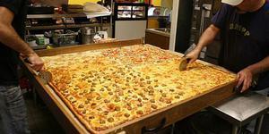 美披薩店制做可供70人享用全球最大披薩