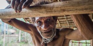 """""""食人族""""科罗威部落的神秘生活"""