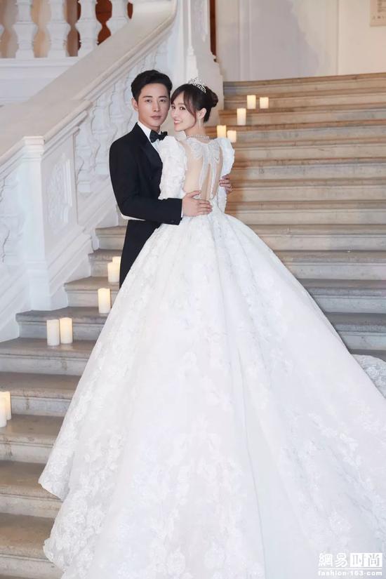 唐嫣罗晋大婚现场照曝光!婚纱制作耗时5000小时!