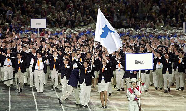 2000年悉尼奥运会,朝韩选手共同入场。