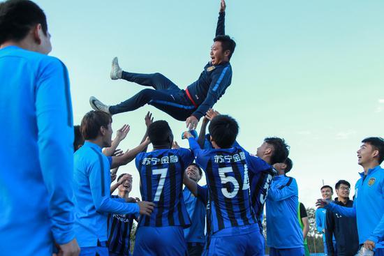 拉米梅开二度 苏宁预备队2-0华夏提前两轮夺冠