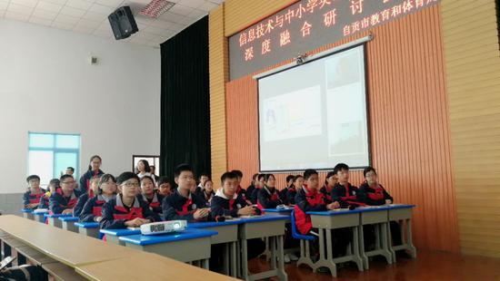 中外教双师课程如何能匹配各类课堂