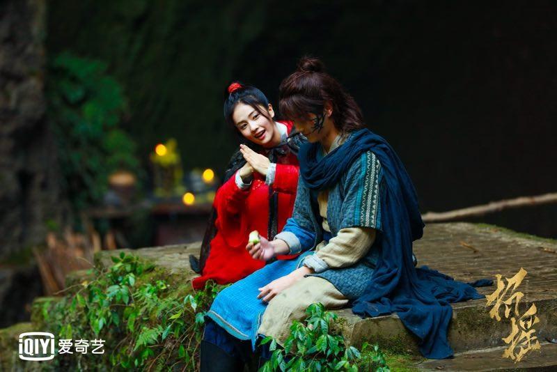 《招搖》主演CP劇照曝光 白鹿許凱情系少年時