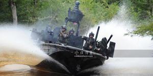 美特战艇每分可打1.5万发子弹