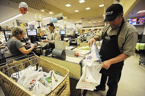 電商沖擊太大 英國零售企業陷倒閉潮每天歇業14家