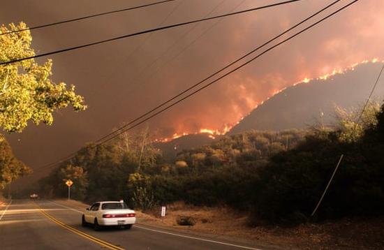 山火导致硅谷雾霾严重 有苹果员工在室内也戴口罩