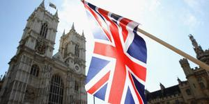 英两年制本科学位或于2019年开始 学费待议会批准