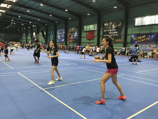 第6届中国高校广州校友羽毛球联赛 华中科技夺冠