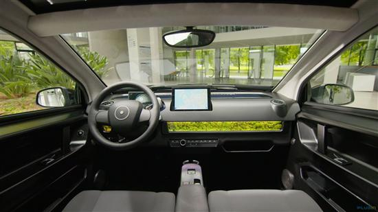 售价12.6万起 德国公司推首款太阳能纯电动汽车