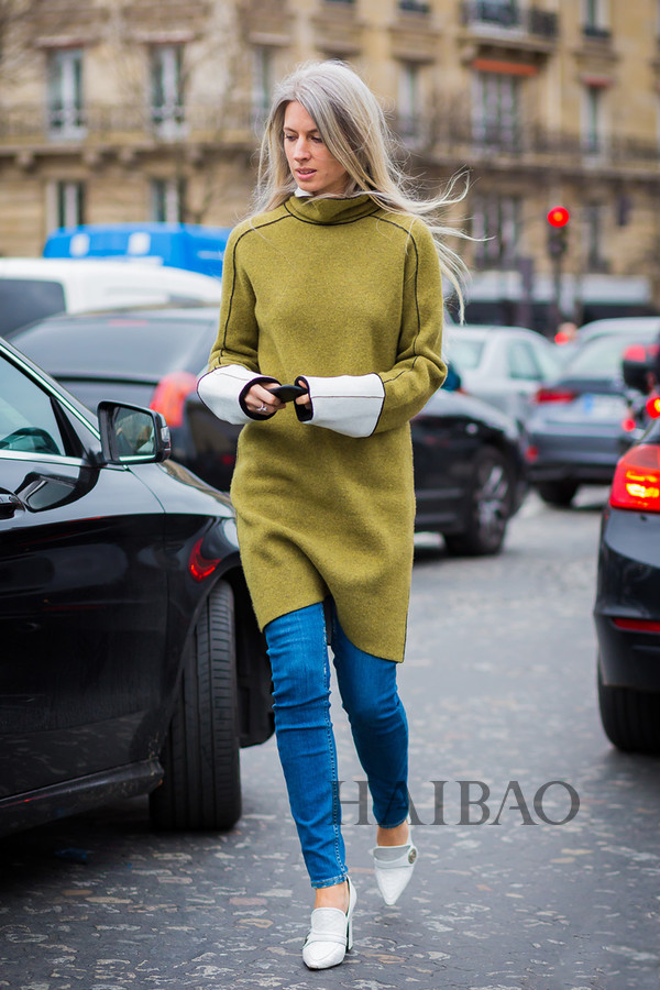 《Vogue》杂志英国版专题总监Sarah Harris 2016春夏高级定制时装周秀场外街拍