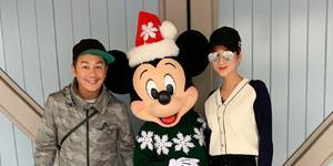 蒋丽莎与陈浩民甜蜜游迪士尼