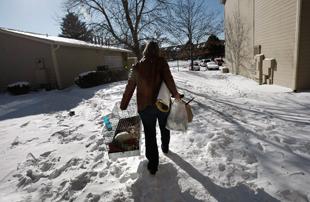 被扫地出门的美国租客们