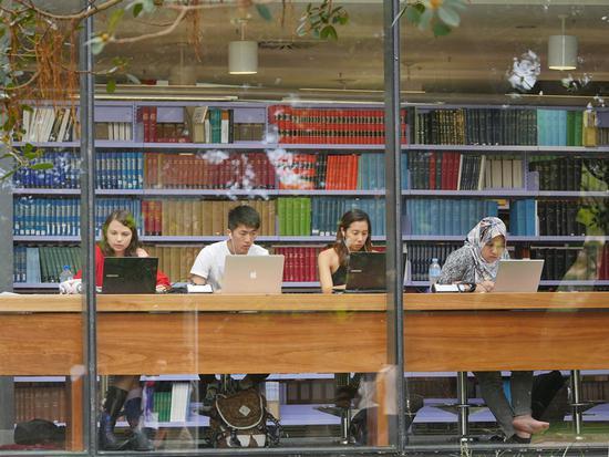 2018年12月初,国家留学基金委员会在官网发表声明:国家公派硕士研究生项目自2019年起不再实施。