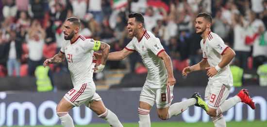 亚洲杯综述-伊朗5-0屠也门 塔雷米2球阿兹蒙破门