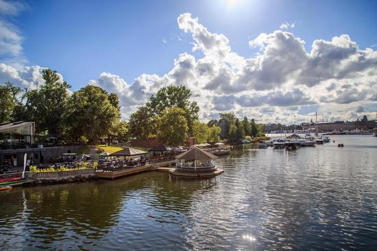 瑞典首都斯德哥尔摩,一条运河的晨间景色。/视觉中国 & Moment Open