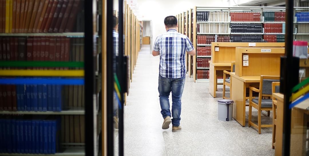 清华学霸毕业前每晚泡图书馆抓紧时间多看书