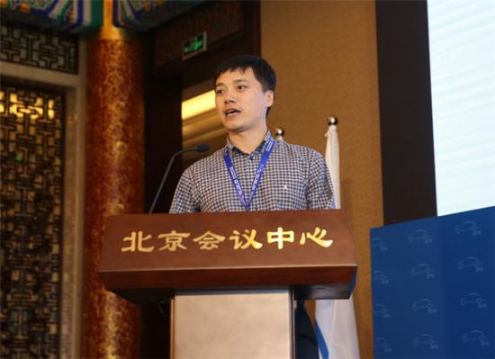 国家能源局电力司电网处副处长谭洪江