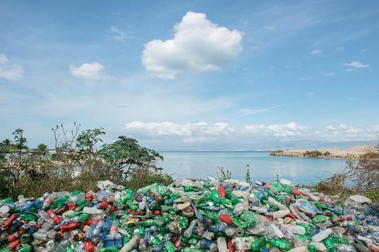 戴尔回收海滩上的塑料垃圾做电脑包装 被表扬了