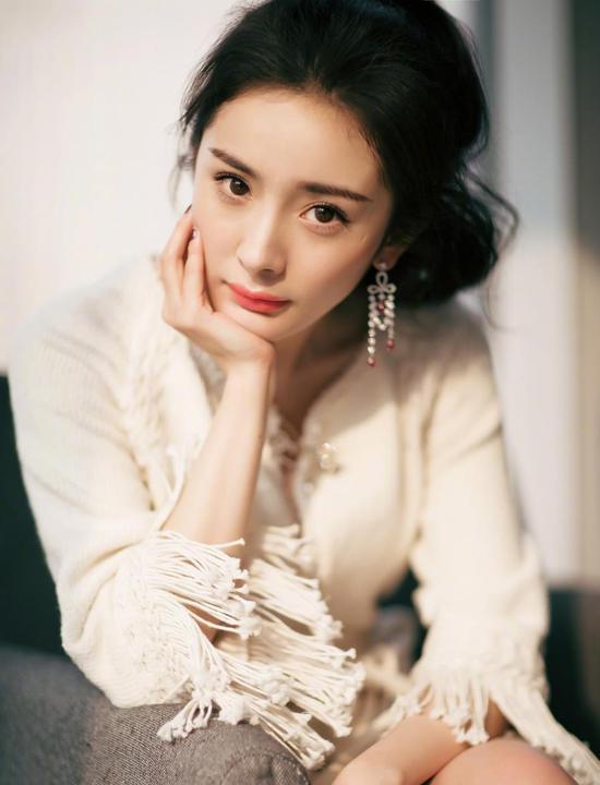 杨幂谈人设崩塌:我是最不缺黑历史的女星