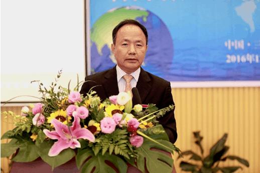 三亚学院国家治理研究院学术委员会主任周文彰致辞
