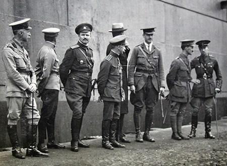 【海军上将】夜幕下的哈尔滨,英国军官见证高尔察克的兴衰史-远东网