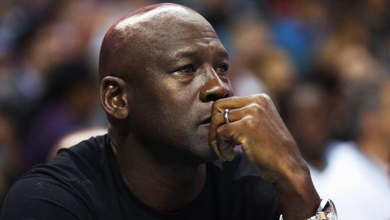 美國社會的這套枷鎖 讓科比MJ遭唾棄卻讓LBJ成楷模